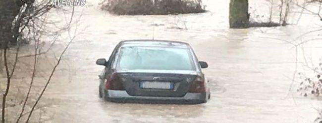 Allagamenti, automobilista di Lioni salvata dai carabinieri. Ad Altavilla sfollate 2 famiglie a C.da Pezze