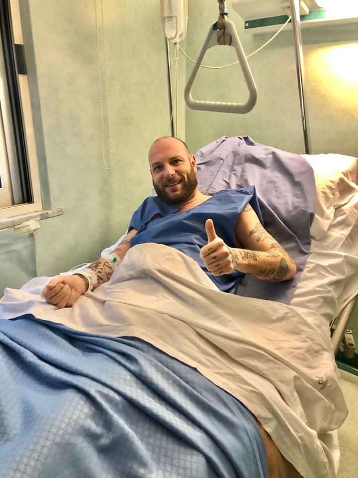 Clementino si opera alla Malzoni di Avellino e in un post ringrazia lo staff della clinica