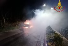 Avella| Abitazione e tre auto in fiamme, paura ad Avella: due donne salve per miracolo