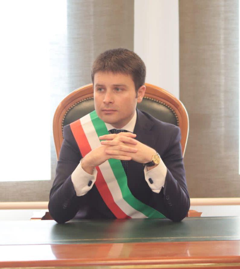 Crisi commercio Valle Telesina, Rubano a Napoli da Patriarca e Marino