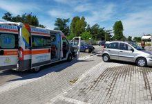 Via Sannitica, scontro tra auto: ferita donna