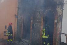 Cesinali  Incendio in una palazzina, paura per una bombola di Gpl