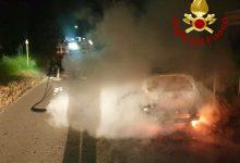 Roccabascerana| Auto in fiamme nella notte, spavento per un uomo e una donna che erano a bordo