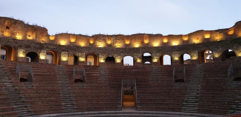 Teatro Romano, domani apertura serale straordinaria