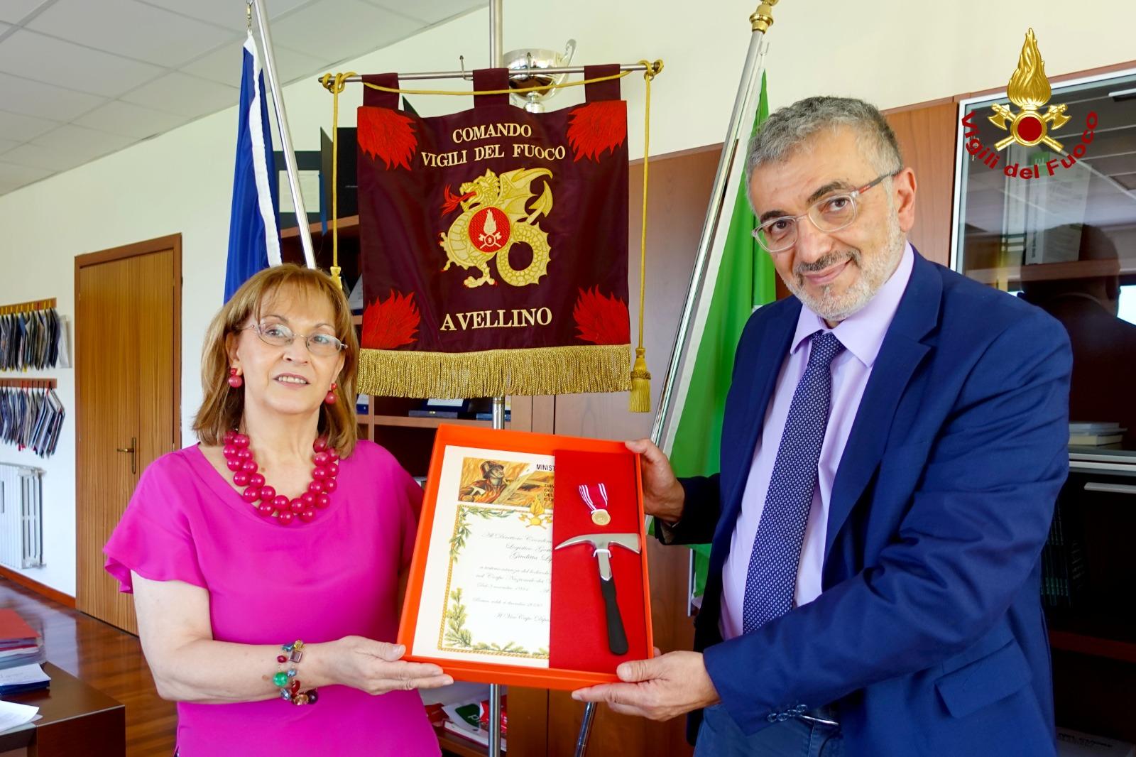 Al Comando dei Vigili del Fuoco di Avellino cerimonia di pensionamento del Direttore Lippo