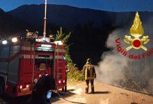 Serino  Un fiamme il ponte alla frazione Casangino, intervento dei vigili del fuoco